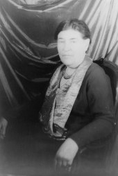 Willa_Cather_LCCN2004662684_(cropped)