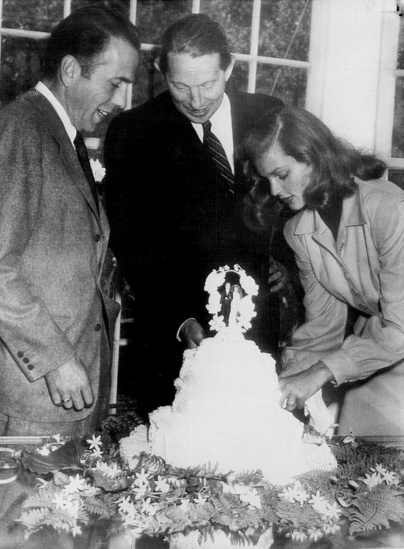 Bogart_Bacall_wedding_1945